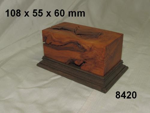 WOODEN BASE  - 8420 DIORAMA