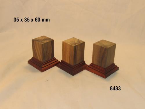 WOODEN BASE 8483 BYSTS
